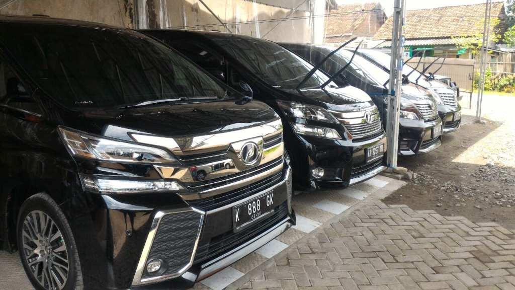 Rental Mobil Mewah Solo murah